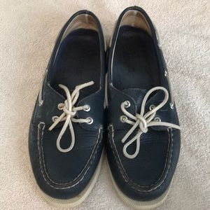 Navy Sperry Topsiders size 7.5